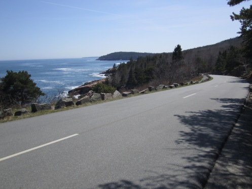 "The two mile stretch between Sand Beach and Otter Cliff was open to traffic but I saw maybe 10 cars. Few people come to the park because it is still ""closed"" and operating under ""winter"" conditions."